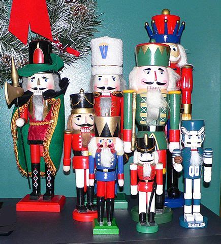 Handmade Nutcrackers - file nutcrackers jpg wikimedia commons