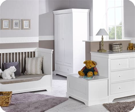 chambre enfant complete chambre b 233 b 233 compl 232 te mel blanche avec armoire