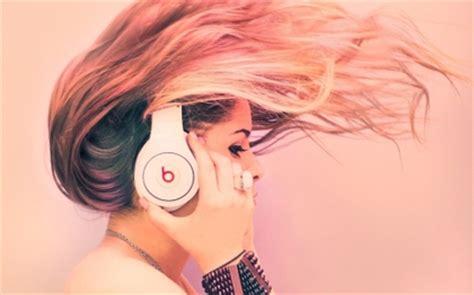 wallpaper girl with headphones headphones headphones girl artwork 1920x1200 wallpaper