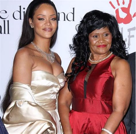 rihanna and her mom rihanna and her mom at the diamondball ebals blog