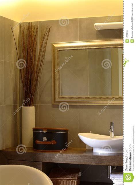 stanze da bagno di lusso stanza da bagno in un appartamento di lusso fotografia