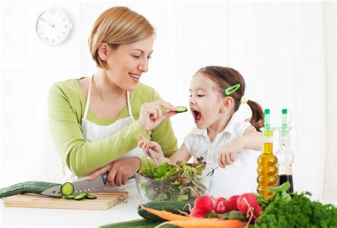 healthy now how to get your child to eat right move more and sleep enough books how to get your eat veggies healthy with stefan