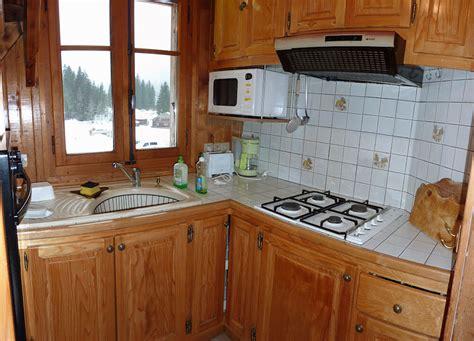 cuisine pour chalet cuisine chalet montagne nicolas mathus cyberfanny