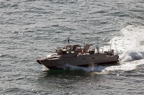 mexican fishing boat accident search resumes for 7 missing after boat sinks off baja