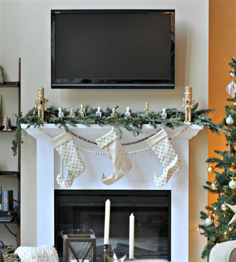 how to decorate a mantle with nutcrackers mantel 2013 nutcrackers galore decor and the