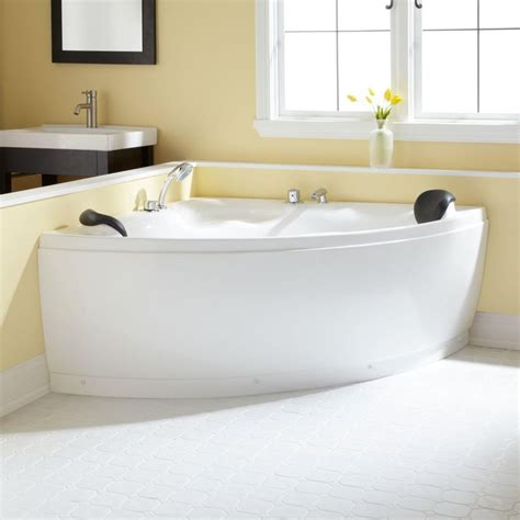 freestanding corner bathtubs 25 best ideas about corner tub on pinterest corner