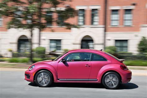 pink volkswagen pink volkswagen beetle auctioned over 30 000 drivers