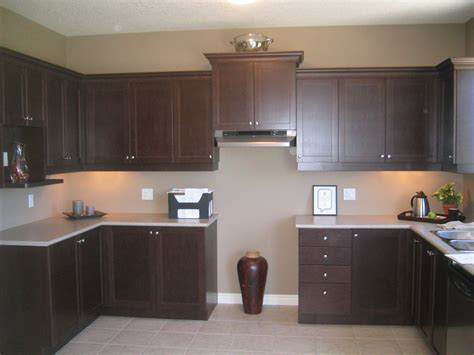 espresso painted kitchen cabinets what color to paint kitchen walls with espresso cabinets