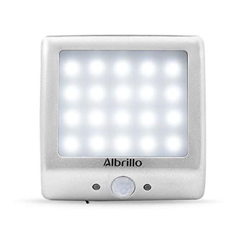 striscia led alimentata a batteria aglaia luce led sensore di movimento lada armadio 10