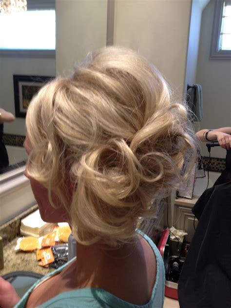 how to curl loose curls on a side ethnic hair best 25 loose curls updo ideas on pinterest curled hair