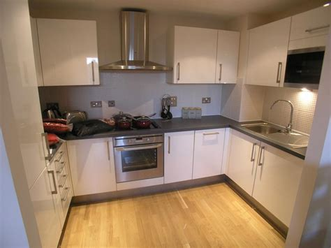 two bedroom flat cardiff 2 bedroom flat to rent in cymric buildings cardiff bay cf10