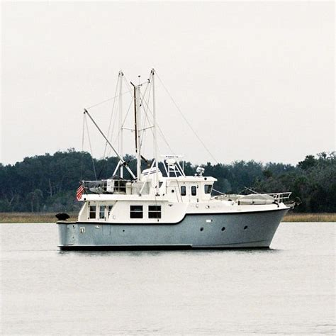 boats you can live on what to look for in liveaboard boats