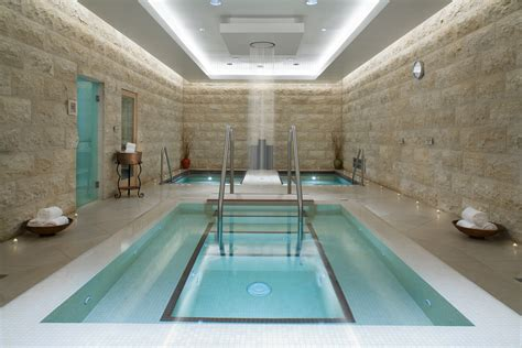 romans in bathroom roman bath houses decobizz com