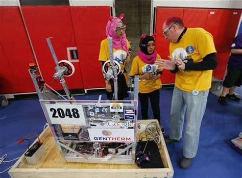 Um Flint Sponsored Robotics Team by College Tie Ins Allow More To Join Michigan Robotics Craze