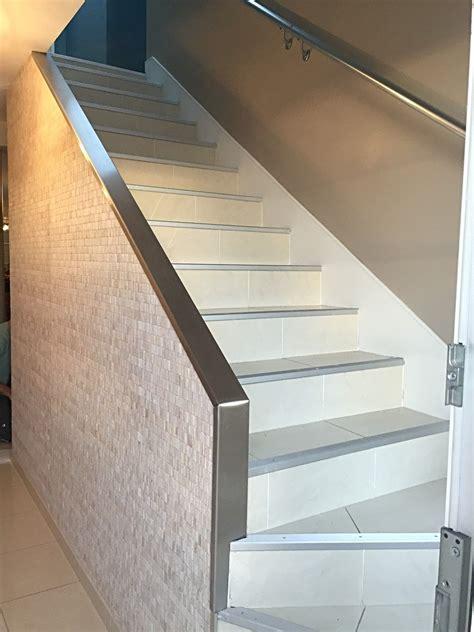 Papier Peint Pour Cage Escalier by R 233 Novation D Une Cage D Escalier Pose De Papier Peint Et