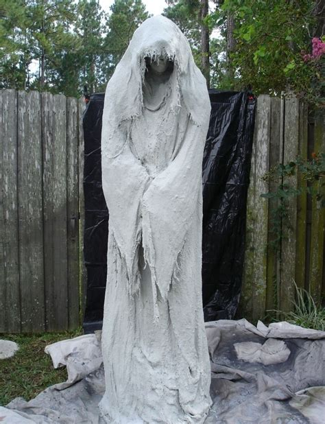 best 25 outdoor halloween ideas on pinterest outdoor halloween decorations outdoor halloween