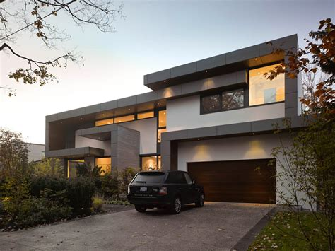modern home awarded contemporary home with beautiful garden in toronto