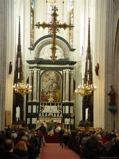 neogotisch interieur onze lieve vrouw kathedraal antwerpen 1 centrum