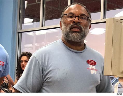 actor geoffrey owens from the cosby show cosby show star geoffrey owens says trader joe s photo