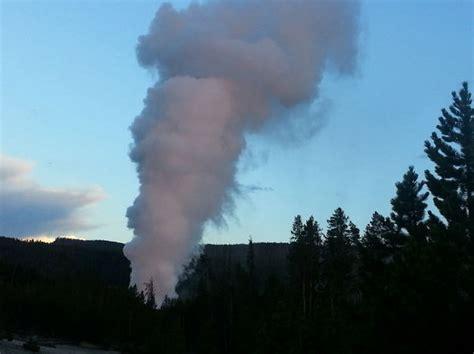 steamboat geyser eruption yellowstone volcano eruption why the steamboat geyser