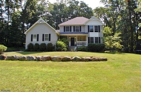 Log Cabins For Sale In Nj by 5 Log Rd Lake Hopatcong Nj For Sale 474 900 Homes