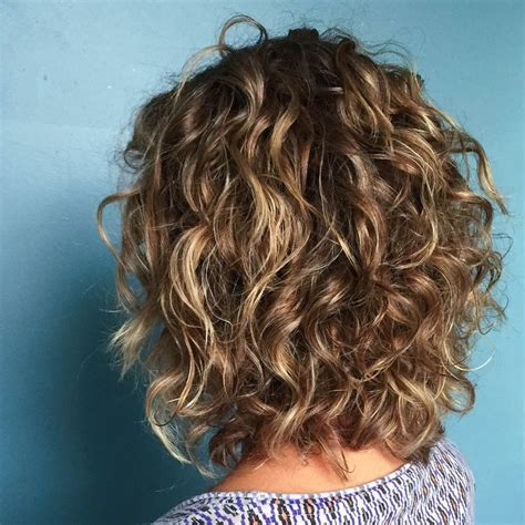 short layered wand curl styles short haircuts can benefit from dimensional highlights