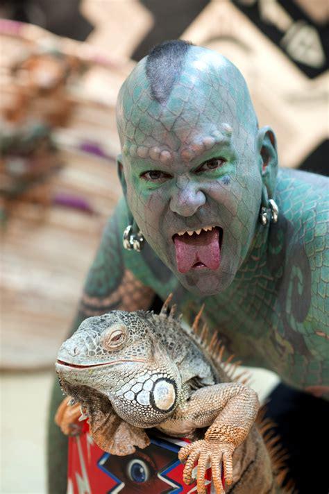 extreme tattoo west haven ct 整到媽媽都認不出來 人類改造成蜥蜴男全紀錄 詭異 恐怖 蜥蜴 刺青 紋身 生活發現 妞新聞 niusnews