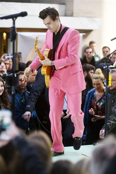 todays show styles harry styles wears pink suit at today show concert
