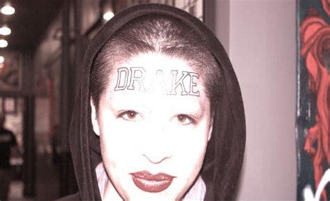 tattoo my name lyrics drake girl tattoos drake s name on her forehead photo urban