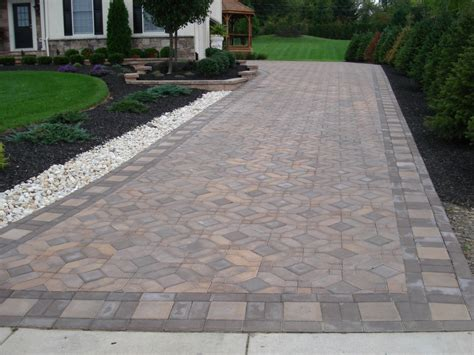 auffahrt pflastern ideen beautiful paver driveway with square garden