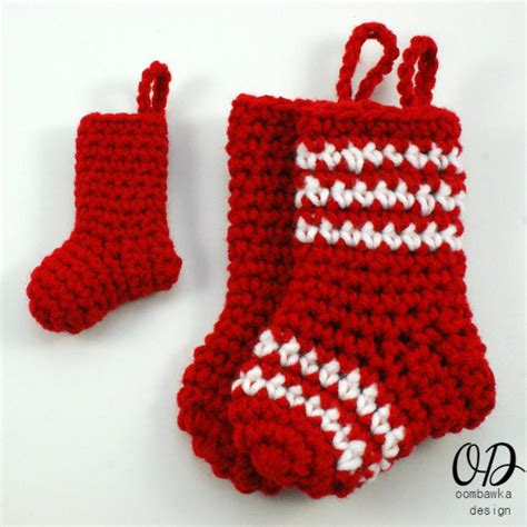 crochet pattern xmas little christmas stockings allfreecrochet com