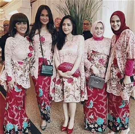 Baju Di Indah Bordir 80 model kebaya modern batik terpopuler 2018 model baju