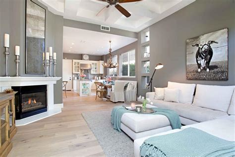 Hgtv Home Design Remodeling Home Includes Antler Chandelier Spacious Master