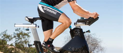 spin class bike shoes spin shoes guide to indoor cycling shoes