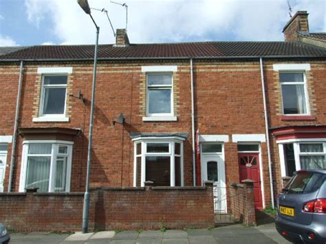 2 bedroom property to rent in northton 2 bedroom terraced house to rent in east view terrace