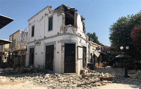 earthquake kos earthquake kills 2 on greek island sends tourists