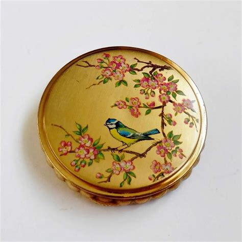 Murah Pigeon Squalane Compact Powder 17 best images about bird compacts on lipstick holder vintage and deco