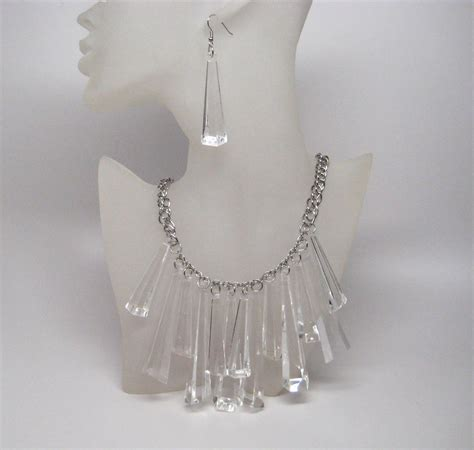 Fashion Jewelry For The Trendy Clear Lucite Jewelry