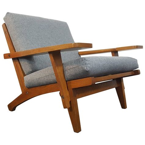 iconic chairs iconic danish hans j wegner ge 375 lounge chair for sale