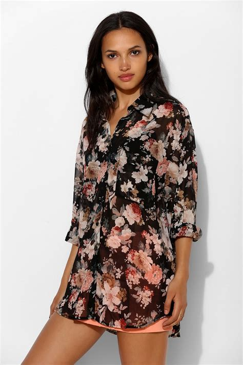 Hm Chiffon Sleeveless Blouse White Small Floral lyst glamorous floral chiffon button shirt in black