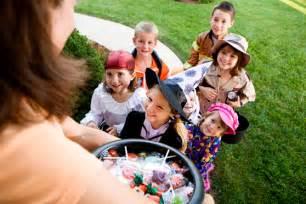 imagenes de halloween niños pidiendo dulces cosas sobre halloween