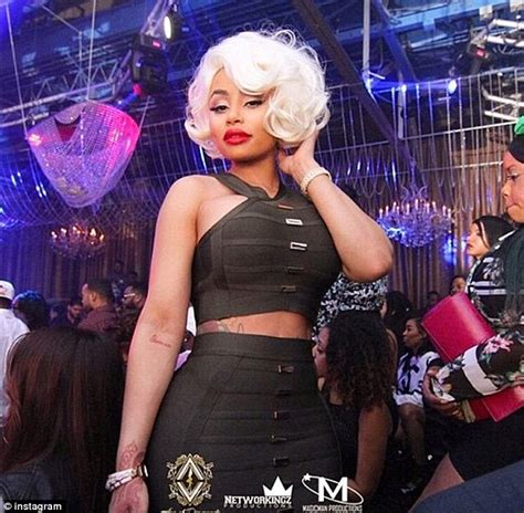 black strppers blac chyna drops 10k on dancers at launch of new la