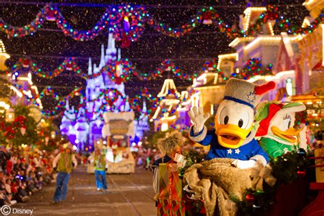 mickey s very merry christmas party 2016 disney secrets