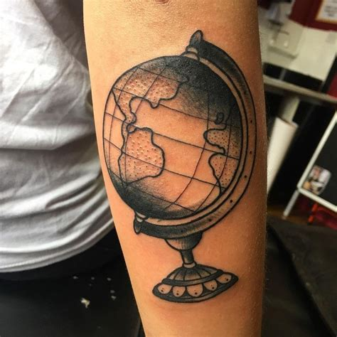 pinterest tattoo globe 142 best globe world tattoos images on pinterest world