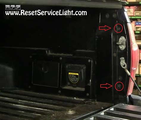 How To Reset Maintenance Light On 2005 Toyota Camry How To Change The Light On Toyota Tacoma 2005 2010