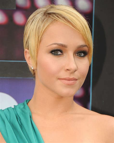 Hayden Panettiere at 2010 CMT Awards in Nashville