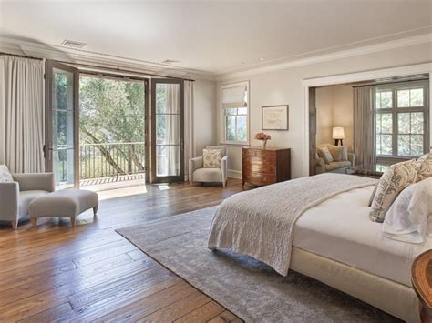 how big is a master bedroom 25 best ideas about master suite bedroom on pinterest