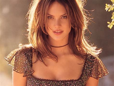 Alessandra Ambrosio Pictures by Alessandra Ambrosio Alessandra Ambrosio Wallpaper