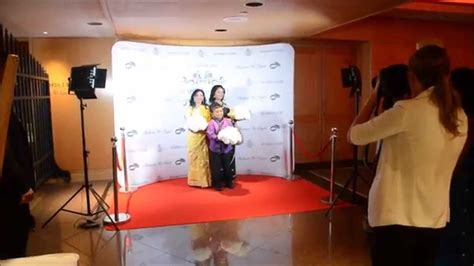 how to make a wedding backdrop with lights red carpet step and repeat backdrop media wall paparazzi
