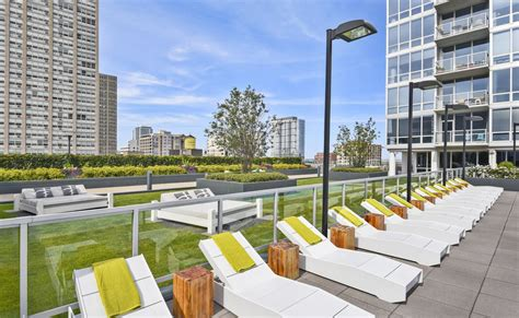 Apartments Chicago Lakefront Chicago High Rise Apartment Amenities Pet Friendly